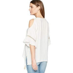658f04d8f4d2cc Democracy Tops - Women s Cold Shoulder Hanky Hem Top